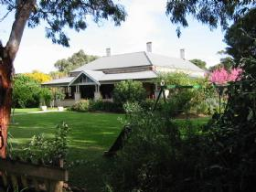 Yankalilla Bay Homestead Bed and Breakfast