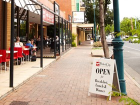 Adelaide Meridien Hotel & Apartments - Perfect Cup Café