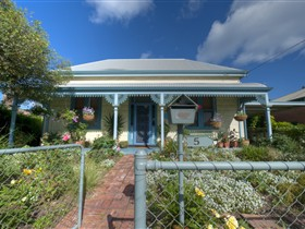 Semaphore Beach Cottage Bed and Breakfast